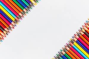 Two diagonal rows of colored pencils