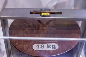 Ultrarobuste Sony Tough SD Speicherkarte hält ein 18KG Gewicht