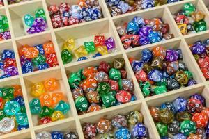 Unterschiedliche Spielwürfel für Brettspiele
