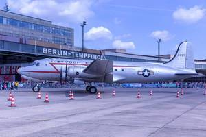 US-amerikanisches Transportflugzeug aus dem zweiten Weltkrieg