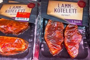 Vakuumierte, marinierte Lamm-Koteletts