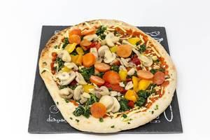 Veganz Pizza Verdura - Tiefkühlpizza mit Pilzen, Spinat, Paprika und Tomaten