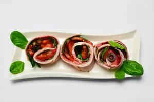 Vegetable and ham rolls