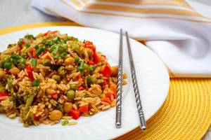 Vegetables Rices with Pepper, chickpea and pea Close- Up