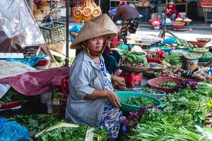 Vegetables Sale Women at the Market Hoi Ann  (Flip 2019)