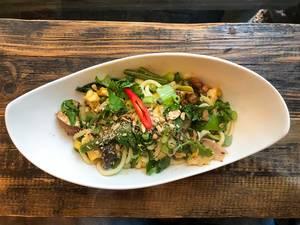 Vegetarisches Gericht aus Vietnam bei Chum Chay in Köln, Aufnahme von oben