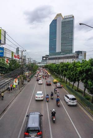 Verkehr im Stadtzentrum von Bangkok
