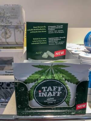 """Verpackung des neuen """"Taff Inaff"""" Cannabis Kaugummis mit CBD Gehalt aus der Schweiz: baut Streß ab, schafft Wohlbefinden und erfrischt den Atem"""