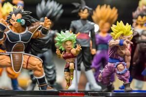 Verschiedene Actionfiguren aus Dragon Ball
