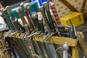 Verschiedene Arten von LARP Schwertern