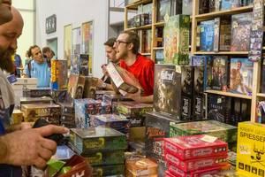 Verschiedene Brettspiele im Verkauf auf Spiel Messe in Essen