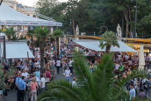 Viele Besucher des Film Festival 2018 am Wiener Rathauspaltz