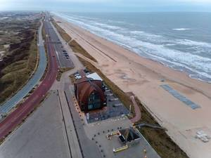 View of the coastal road in Bloemendaal with beach, sea and beach hotel