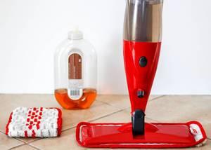 Vileda Spray & Clean Sprühwischer, Ersatzbezug und Reinigungsmittel