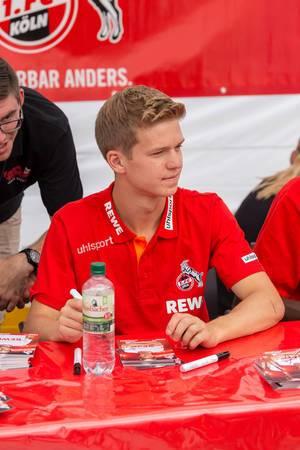 Vincent Koziello während der Autogrammstunde