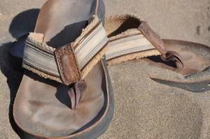 Vintage Flip Flops Sandals in Sand