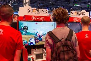 Visitors playing Starlink: Battle for Atlas on Nintendo Switch