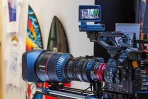 Vollformatkamera und Systemkamera für professionelle, hochauflösende Aufnahmen
