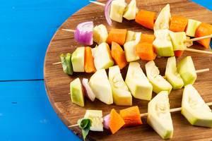 Vorbereitetes Gemüse für das BBQ
