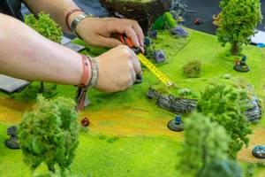 Vorsichtiger Aufbau einer Miniwelt
