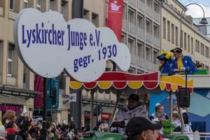 Wagen der KG Lyskircher Junge beim Rosenmontagszug - Kölner Karneval 2018