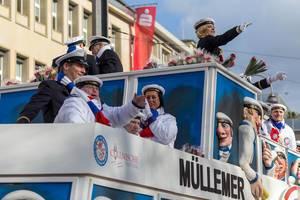 Wagen des Tanzkorps KG Mullemer Junge beim Rosenmontagszug - Kölner Karneval 2018