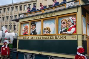 Wagen Kölnische Strassenbahn beim Rosenmontagszug - Kölner Karneval 2018