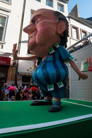 Wagen: Sepp Blatter und der Videobeweis