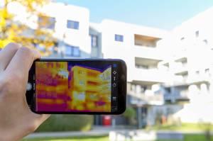 Wärmebild eines Gebäudes - FLIR Infrarotkamera / iPhone