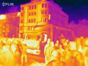 Wärmebildaufnahme der Demonstranten und eines LKW beim Klimastreik in Köln