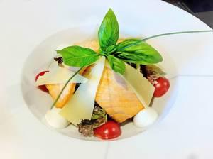 Warmer Salat mit Lachs