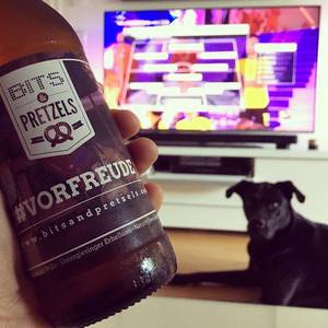 Watching German Classico #Bundesliga #echteliebe #bvb #fcbbvb #vorfreude #bitsandpretzels #instalab #laboftheday
