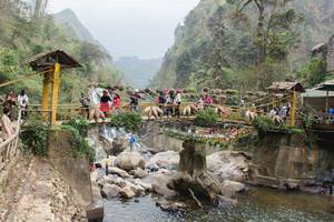 Waterfall Bridge Sapa Vietnam .CR2