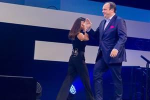 Wechsel auf der Digital X Bühne: Nazan Eckes geht, Hagen Rickmann der Telekom Deutschland GmbH betritt die Bühne