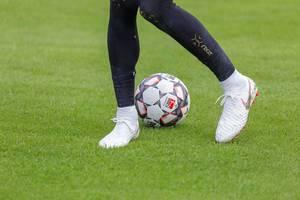 Weiße Nike Fußballschuhe