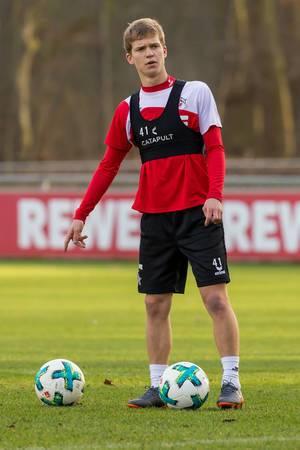 Welcher Ball ist der richtige - Vincent Koziello beim Training