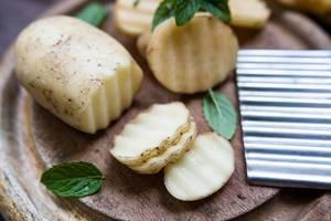 Wellenförmig geschnittene Kartoffeln