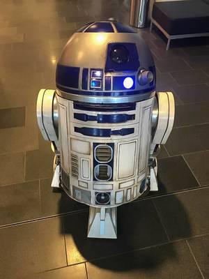 Weltbekannter Science-Fiction Roboter mit Beleuchtung