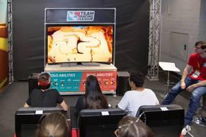 Wettbewerb zwischen den Besuchern von Team Racing League