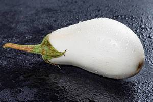 White eggplant with water drops closeup (Flip 2019)