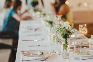 White Rose Decor On Glass Vase With TableSet (Flip 2019)