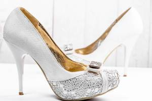 White wedding shoes with heels (Flip 2019)