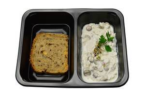 Wholemeal bread and cottage cheese with olives