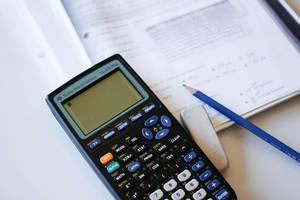 Wissenschaftlicher Taschenrechner für schwierige Mathematik-Hausaufgaben