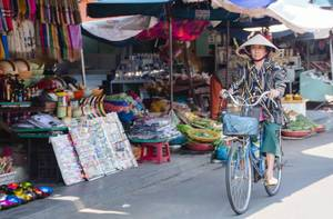 Women on bicycle in Vietnam
