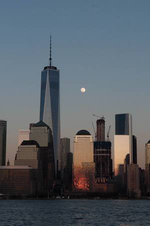WTC Freedom Tower am Abend in New York City, USA
