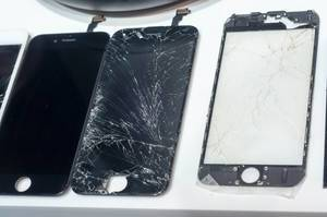 Zerbrochene Handy-Bildschirme. iPhone